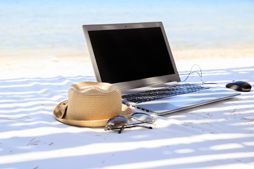 Summer_Beach_Laptops_Hat_450630.jpg